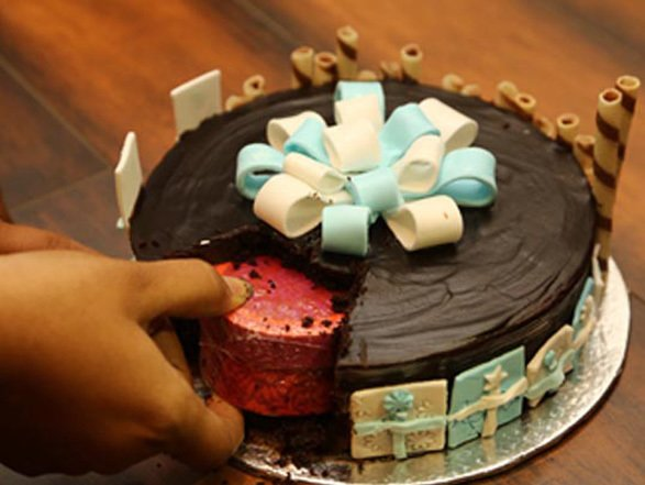 Magnificent Gift In A Cake Best Birthday Gifts Online In India Funny Birthday Cards Online Inifodamsfinfo