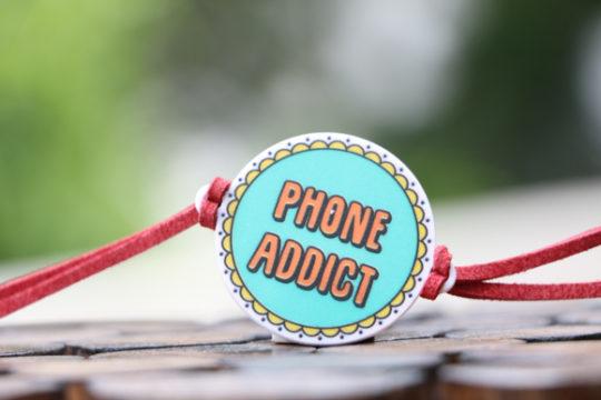 rakhi for phone addicts